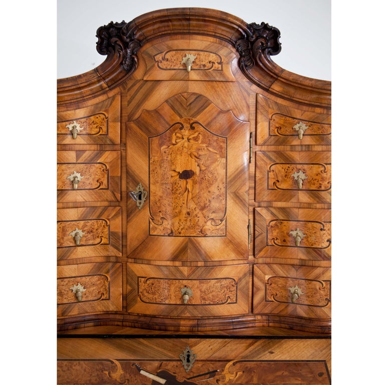 Baroque Walnut Veneered Tabernacle Secretaire, German, 18th Century For Sale 1