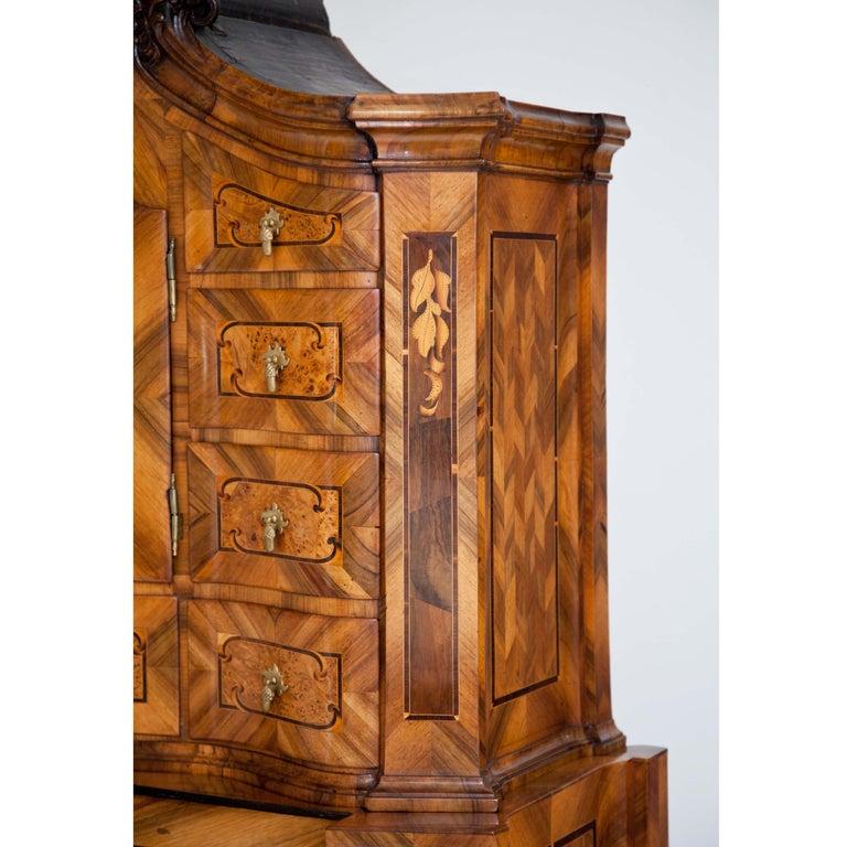 Baroque Walnut Veneered Tabernacle Secretaire, German, 18th Century For Sale 3