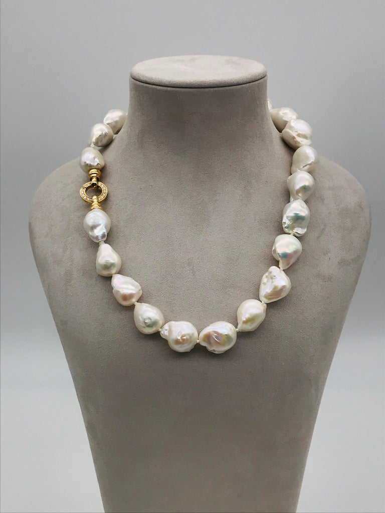 Brilliant Cut Baroques Pearls Necklaces with Gold and Diamonds Clasp For Sale