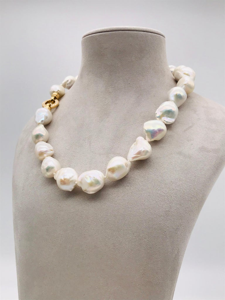 Baroques Pearls Necklaces with Gold and Diamonds Clasp For Sale 1