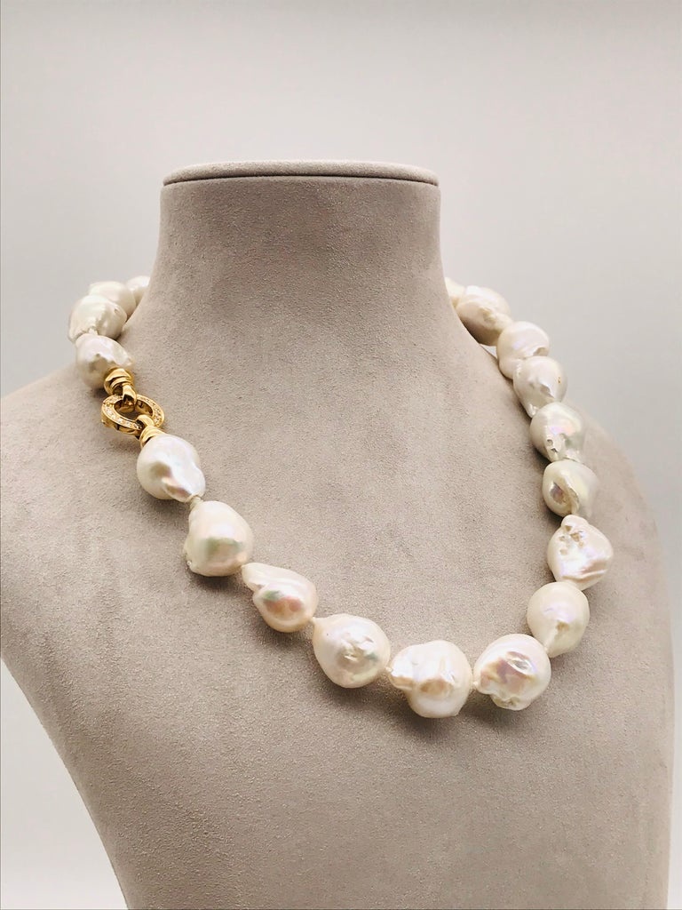 Baroques Pearls Necklaces with Gold and Diamonds Clasp For Sale 2