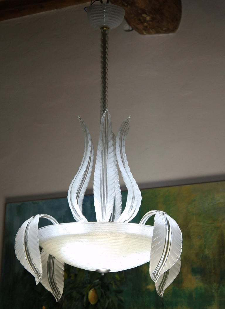Charming chandelier from Barovier and Toso from the end of the 1930s.  The 50cm 20in bowl is in white Puligoso. It is a Crucible puligoso where the addition of puleghe (little straw) generates many bubbles. The bubbles diffuses the light