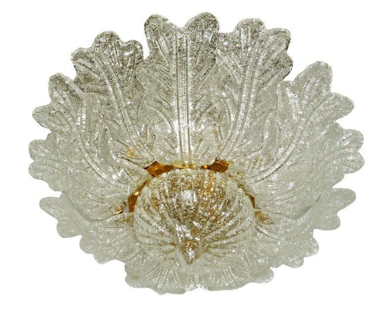 Barovier & Toso Italian Murano Art Glass Flower Leaves and Gilt Brass Chandelier In Excellent Condition For Sale In Coimbra, PT