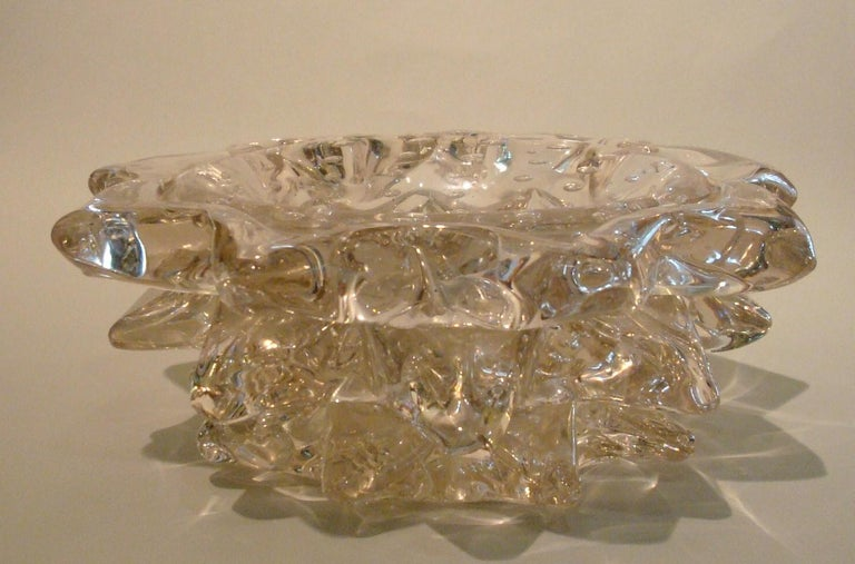 Barovier Toso Italian vintage art glass Rostrato Murano vase / bowl, circa 1938 An exquisite mid-20th century centrepiece by Barovier & Toso in blown Murano Art glass with Art Deco flair, hand decorated with the technique Rostrato: spikes of glass