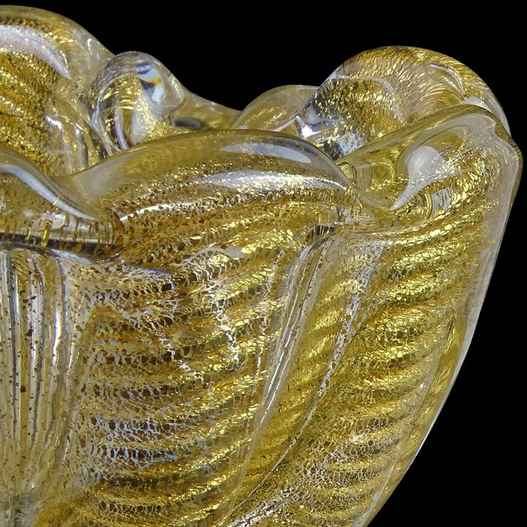 Barovier Toso Murano Gold Flecks Italian Art Glass Heart Shaped Bowl Dish In Good Condition For Sale In Kissimmee, FL