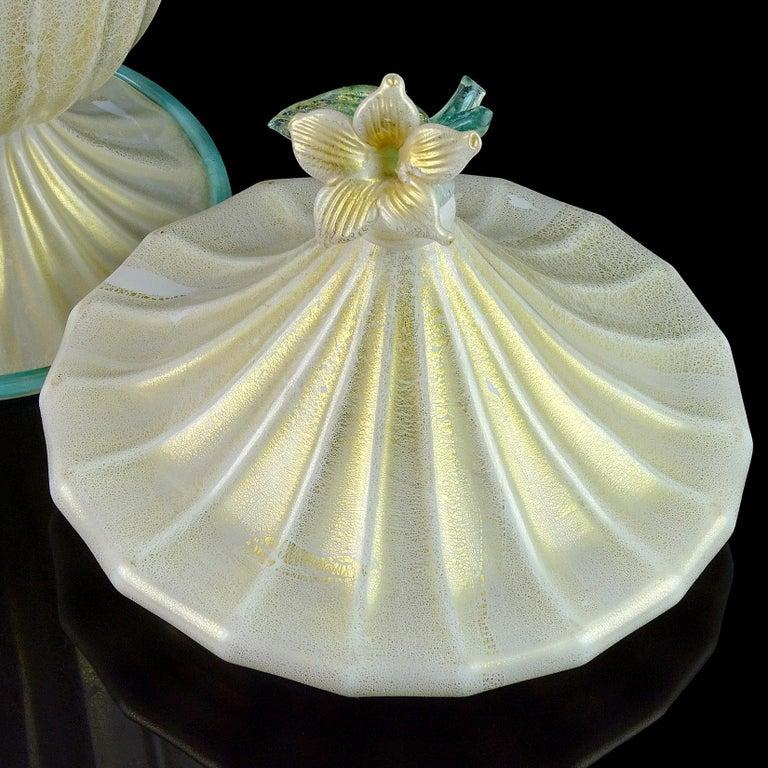 Barovier Toso Murano White Aqua Gold Flecks Italian Art Glass Jar Container In Good Condition For Sale In Kissimmee, FL