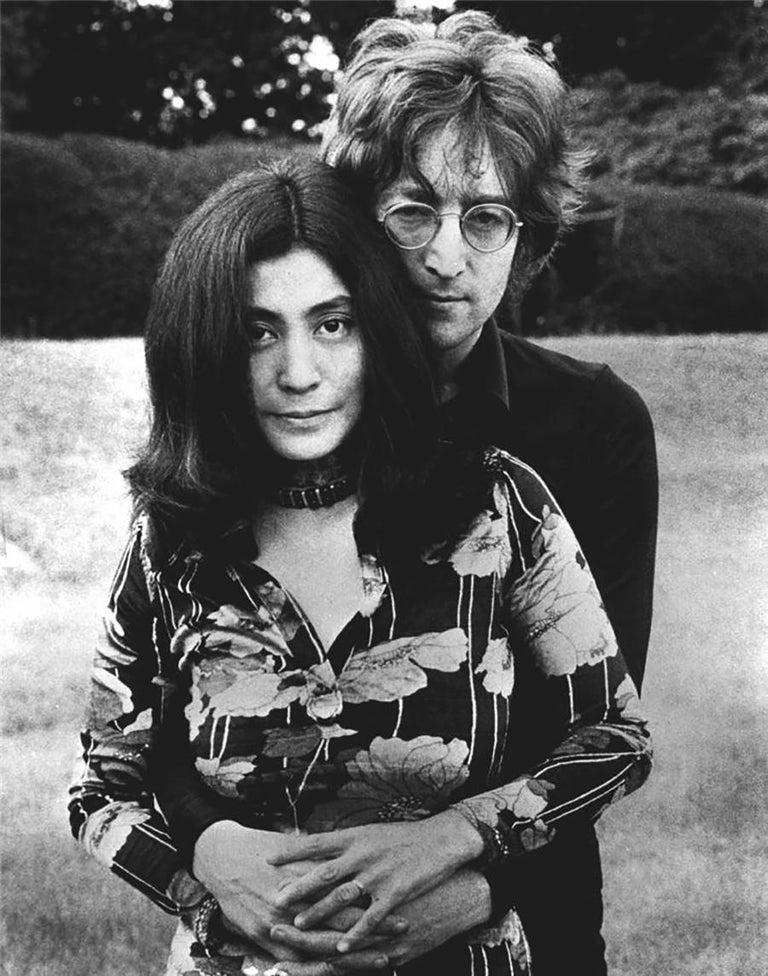 Barrie Wentzell Black and White Photograph - John Lennon and Yoko Ono, England