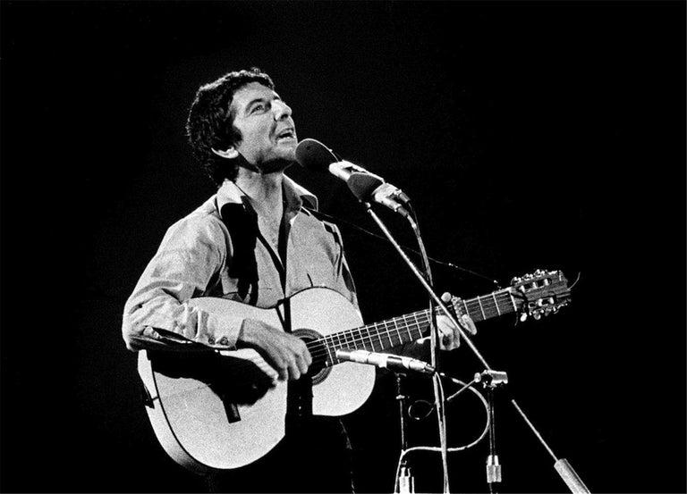 Barrie Wentzell Black and White Photograph - Leonard Cohen, 1972