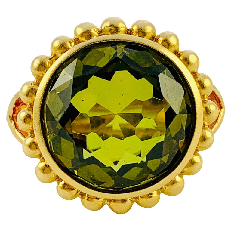 Barry Brinker 18 Karat Yellow Gold, Peridot and Sapphire Ladies Ring For Sale