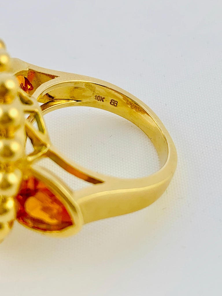 Barry Brinker 18 Karat Yellow Gold, Peridot and Sapphire Ladies Ring In Excellent Condition For Sale In Birmingham, AL