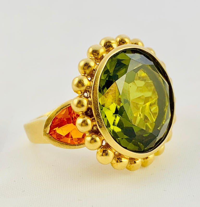 Barry Brinker 18 Karat Yellow Gold, Peridot and Sapphire Ladies Ring For Sale 1