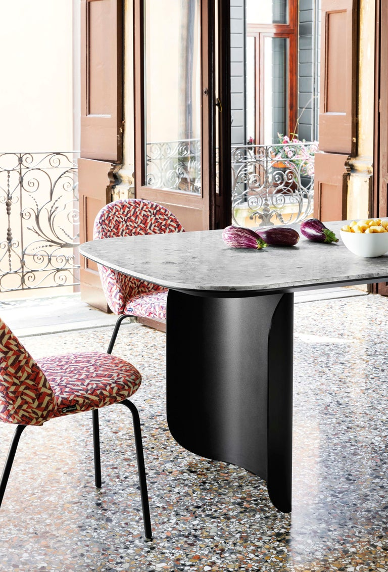 Contemporary Barry Medium Table in Palladio Moro Top with Black Lacquered Base by Alain  For Sale