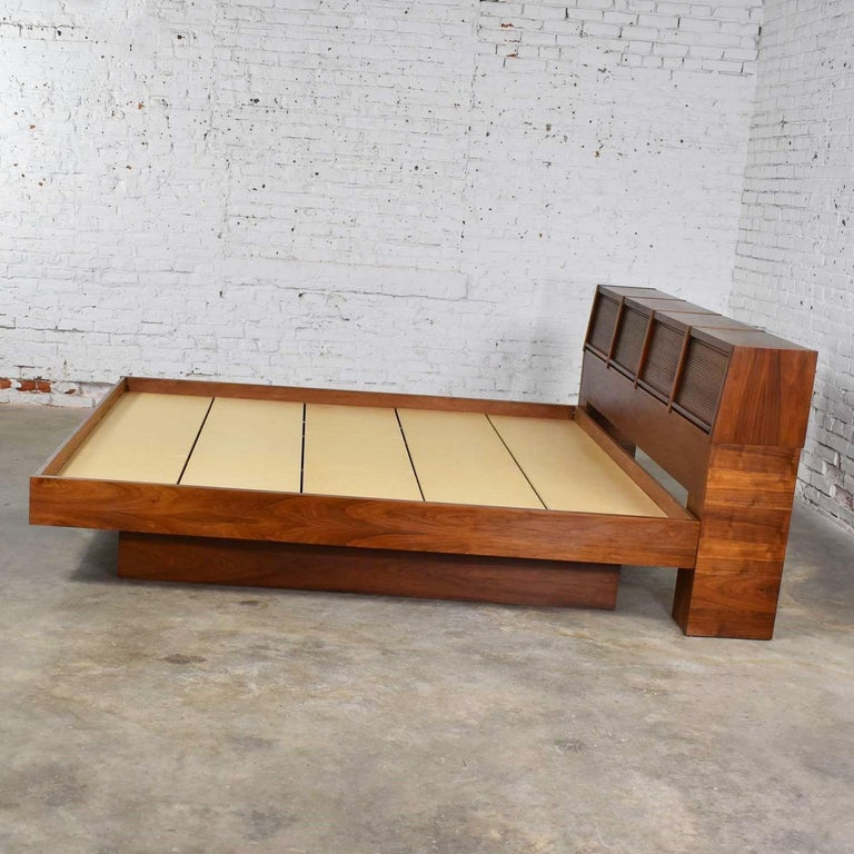 20th Century Barzilay Scandinavian Modern Style King Bookcase Platform Bed with Tambour Doors For Sale