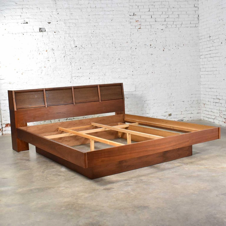 Barzilay Scandinavian Modern Style King Bookcase Platform Bed with Tambour Doors For Sale 2