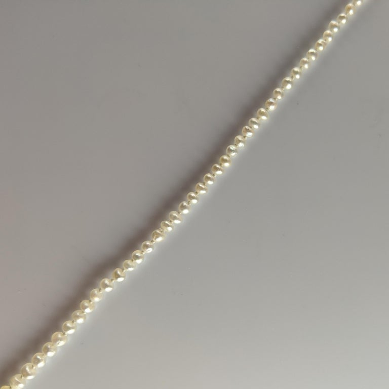Basra Pearl Necklace Unisex For Sale 3