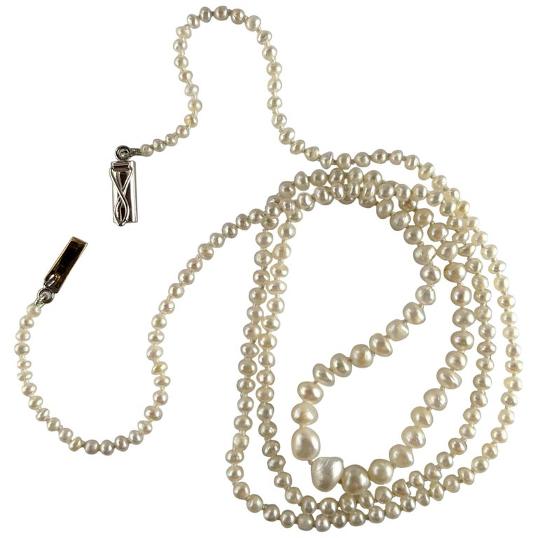 Basra Pearl Necklace Unisex For Sale