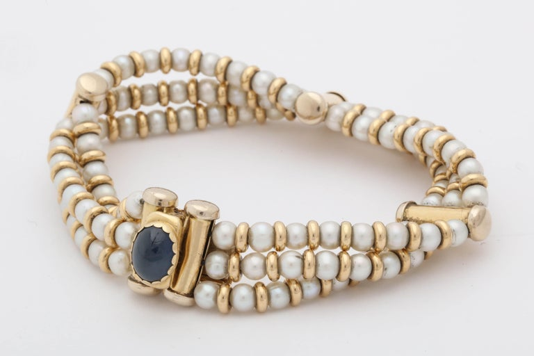 Bassani 1990s Pearl with Cabochon Sapphire Gold Rondelles Pearl Bracelet For Sale 3