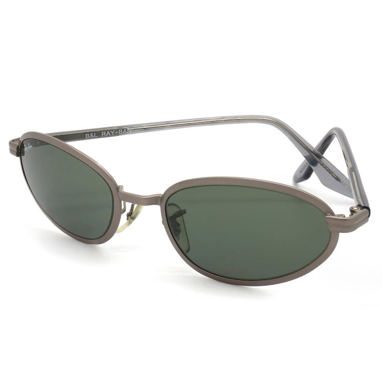 Gray BAUCH&LOMB Ray-Ban original vintage sunglasses, made in U.S.A from 90s For Sale