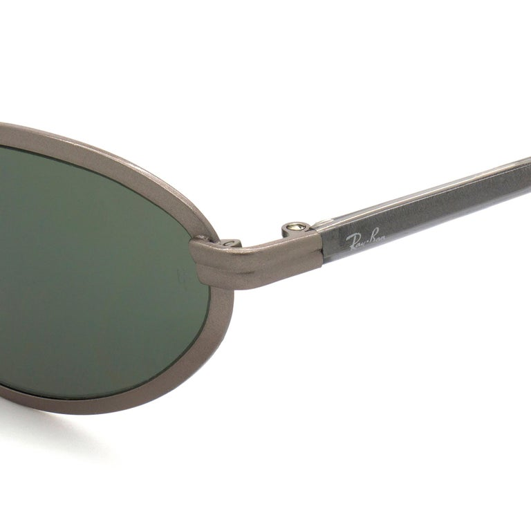 BAUCH&LOMB Ray-Ban original vintage sunglasses, made in U.S.A from 90s In New Condition For Sale In Feasterville Trevose, PA