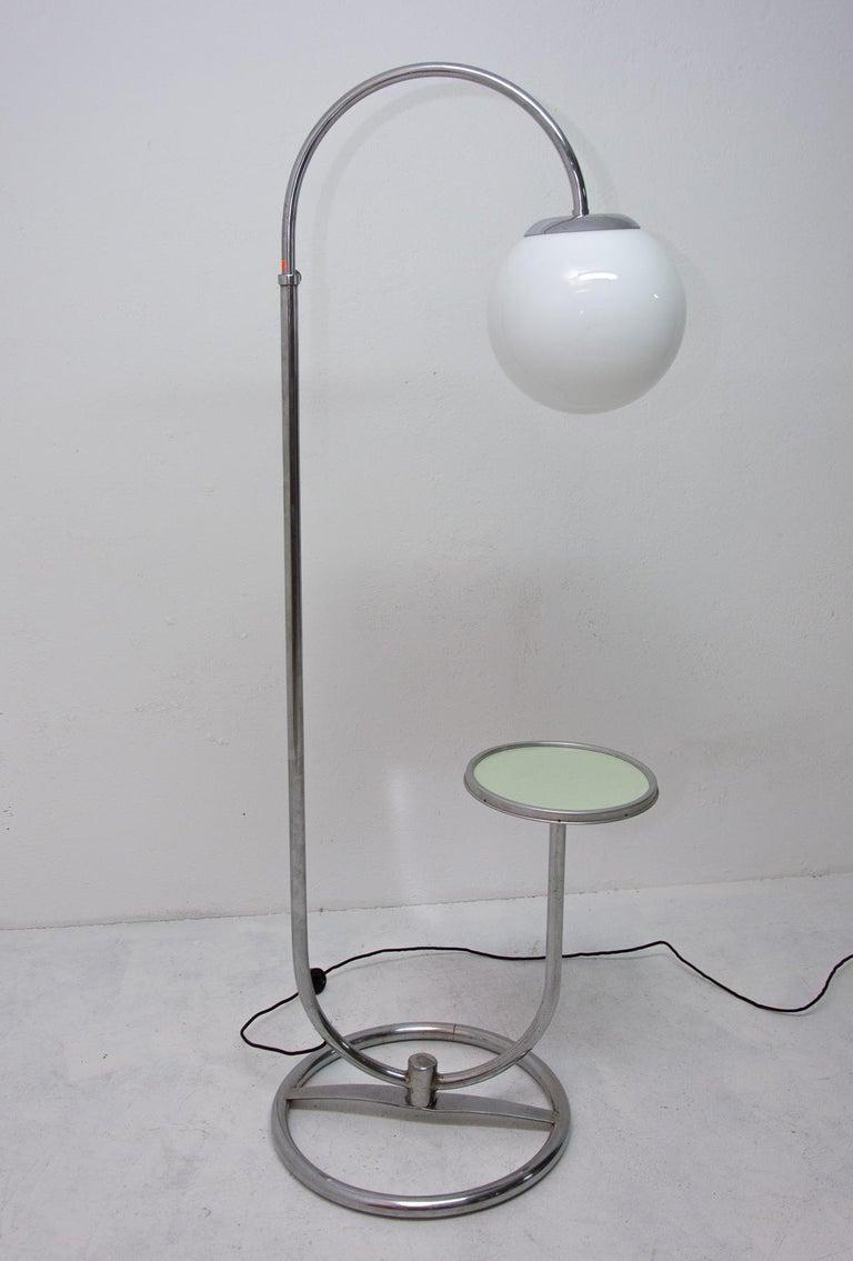 Bauhaus Chromed Floor Lamp by Robert Slezak, 1930s, Bohemia In Good Condition For Sale In Prague 8, CZ