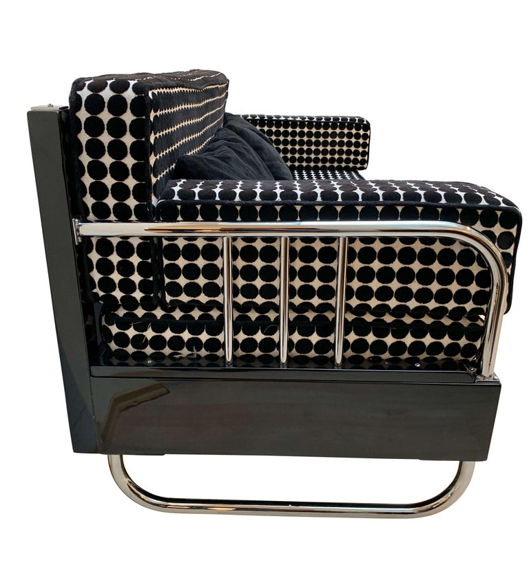Bauhaus Sofa, Chromed Steeltubes and Black Lacquered Wood, Germany circa 1930s In Excellent Condition For Sale In Regensburg, DE