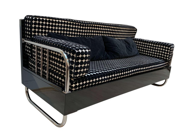 Bauhaus Sofa, Chromed Steeltubes and Black Lacquered Wood, Germany circa 1930s For Sale 1