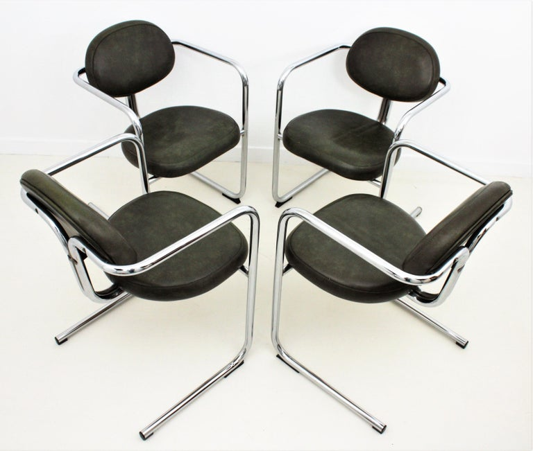 Spanish Bauhaus Style Tubular Chromed Steel Cantilever Armchairs, Set of Four For Sale