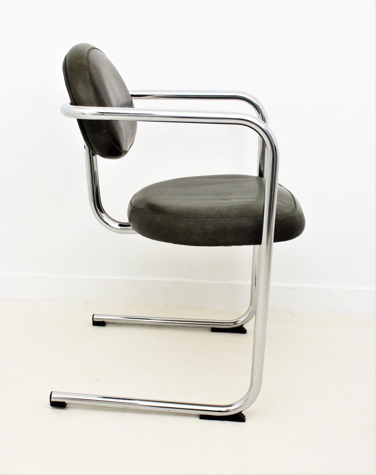 Bauhaus Style Tubular Chromed Steel Cantilever Armchairs, Set of Four For Sale 4