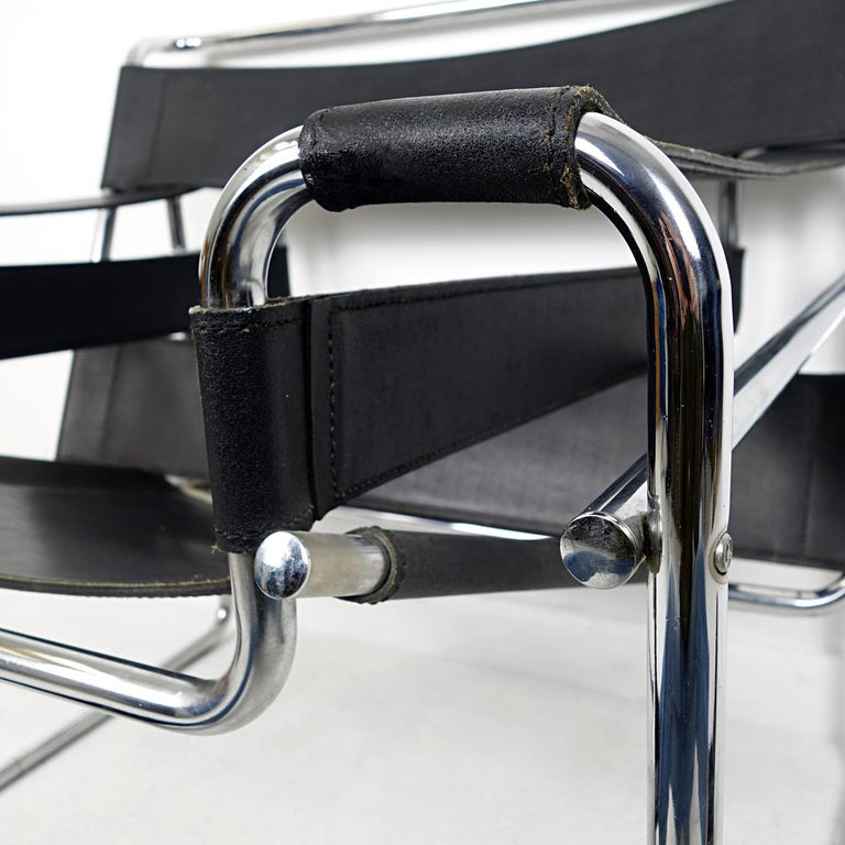 Bauhaus Style Wassily Chair by Marcel Breuer for Knoll International For Sale 4