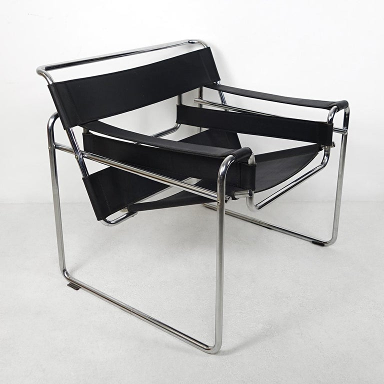 Bauhaus Style Wassily Chair by Marcel Breuer for Knoll International For Sale 1