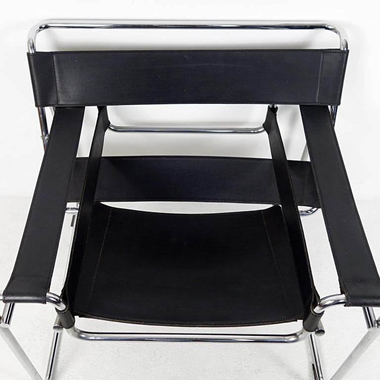 Bauhaus Style Wassily Chair by Marcel Breuer for Knoll International For Sale 3