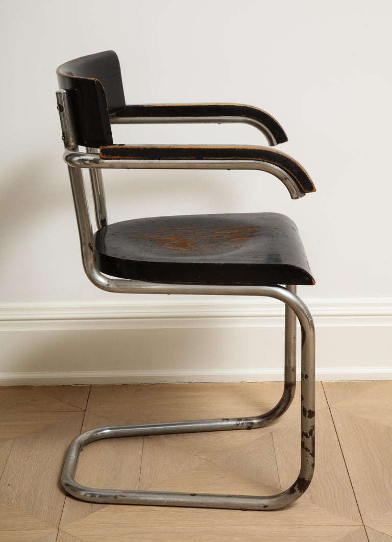 Bauhaus Tubular Chromed Steel and Beech Armchair by Mart Stam for Thonet In Distressed Condition For Sale In Chicago, IL