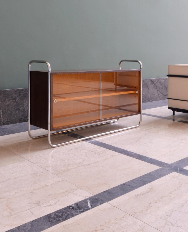 Bauhaus Tubular Steel Low Bookcase, Woodcase and Sliding Glass Panels, Reedition In New Condition For Sale In Berlin, DE
