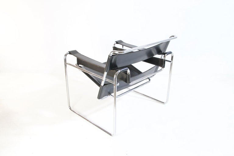 Bauhaus Wassily Chair by Marcel Breuer for Knoll International For Sale 3
