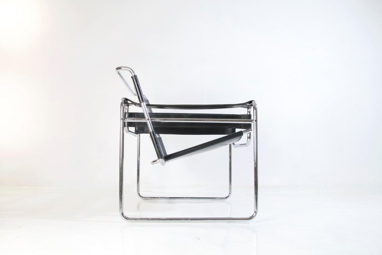 Bauhaus Wassily Chair by Marcel Breuer for Knoll International For Sale 6