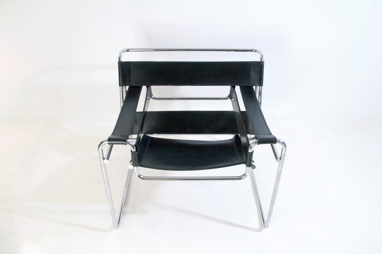 Bauhaus Wassily Chair by Marcel Breuer for Knoll International In Good Condition For Sale In Albano Laziale, Rome/Lazio