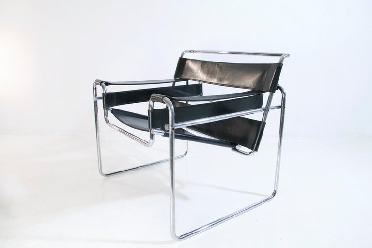 20th Century Bauhaus Wassily Chair by Marcel Breuer for Knoll International For Sale