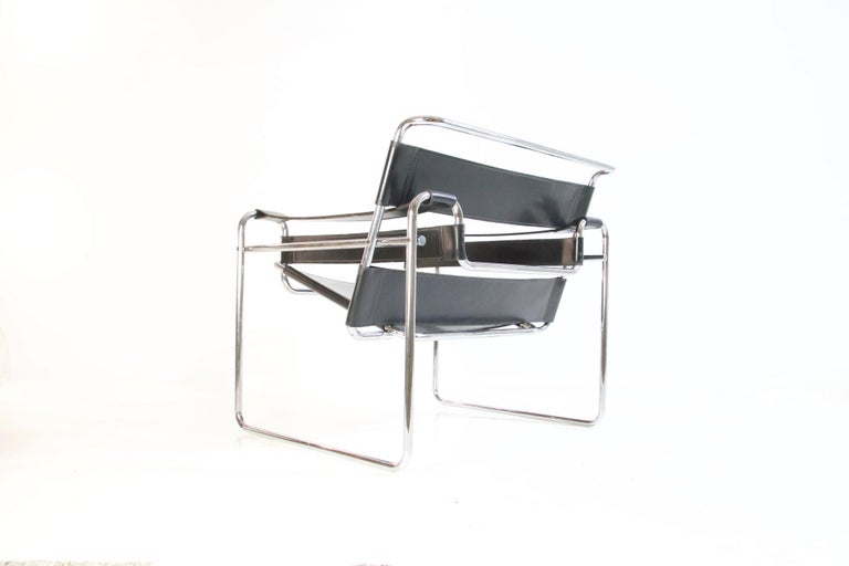 Bauhaus Wassily Chair by Marcel Breuer for Knoll International For Sale 2