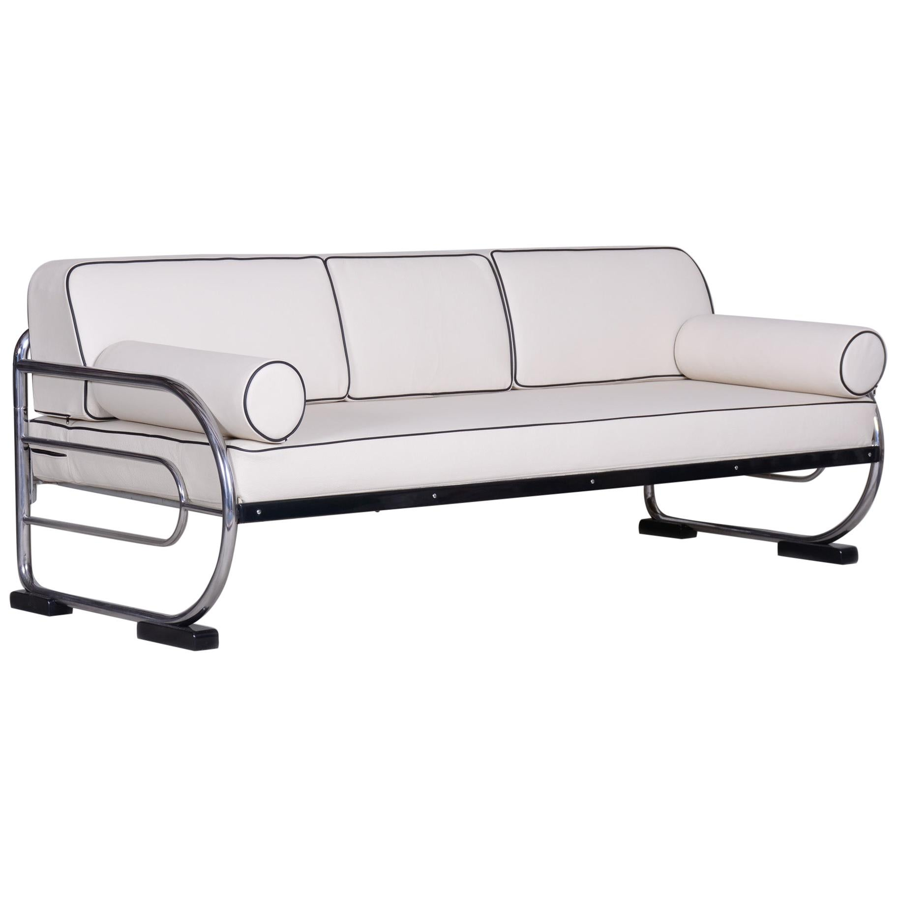 Bauhaus White Tubular Chrome Sofa by Robert Slezák, Design by Thonet, 1930s