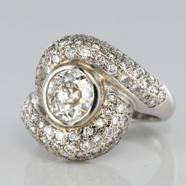 1.20 Carat Diamond Gold Swirl Ring In New Condition For Sale In Poitiers, FR