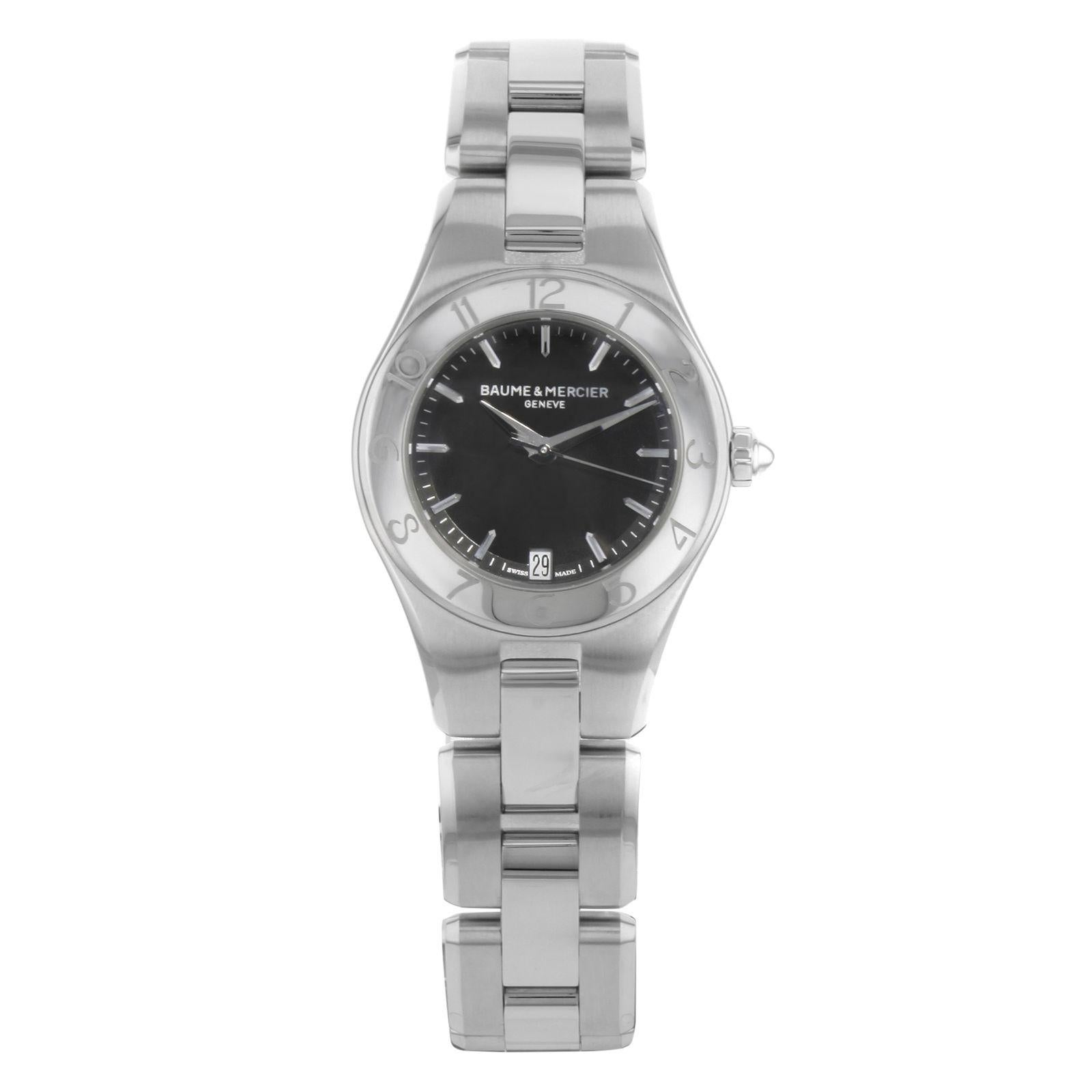 7d5608b9aab GUCCI 2400L Black Oval Dial Stainless Steel Ladies Bangle Bracelet Watch For  Sale at 1stdibs