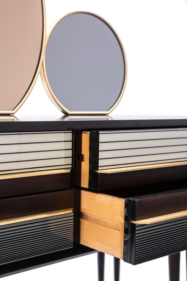 Contemporary Baxter Buffet No. 2 in Rosewood with Tinted Mirrors, circa 1950 by Draga & Aurel For Sale