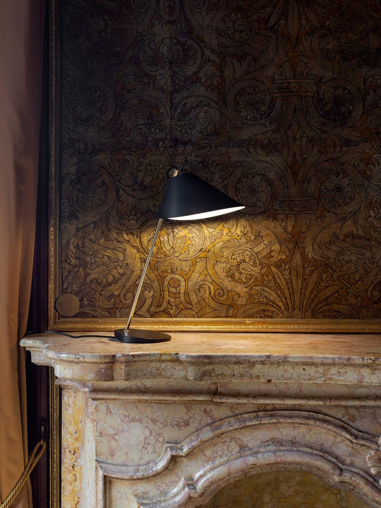 Cast Azucena Base Ghisa Table Lamp by Luigi Caccia Dominioni For Sale