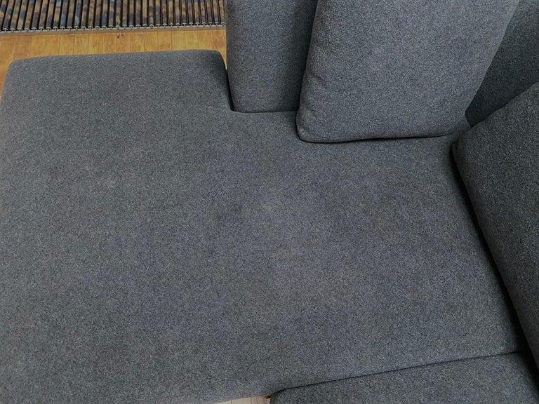B&B Italia L- Shape Charles Sofa in Dark Gray Tweed Designed by Antonio Citterio For Sale 5