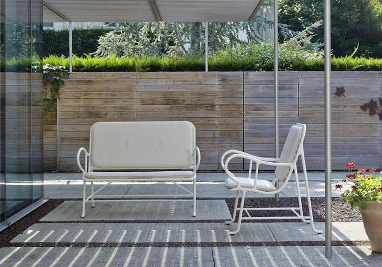 Modern BD Barcelona Gardenia Outdoor Bench by Jaime Hayon in Green, White or Grey For Sale