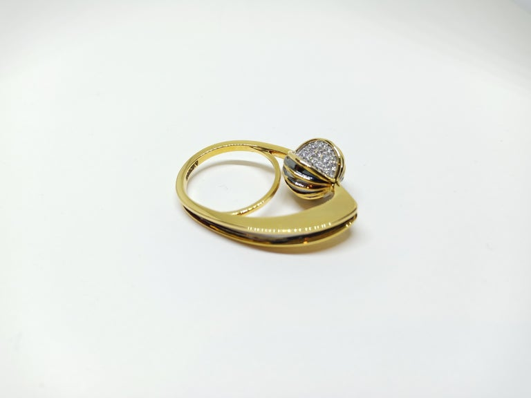 Be Ahead of the Curve with Contemporary One of a Kind White Diamond Gold Ring For Sale 2
