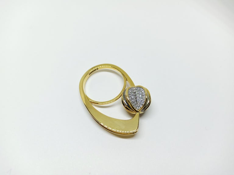 Be Ahead of the Curve with Contemporary One of a Kind White Diamond Gold Ring For Sale 3