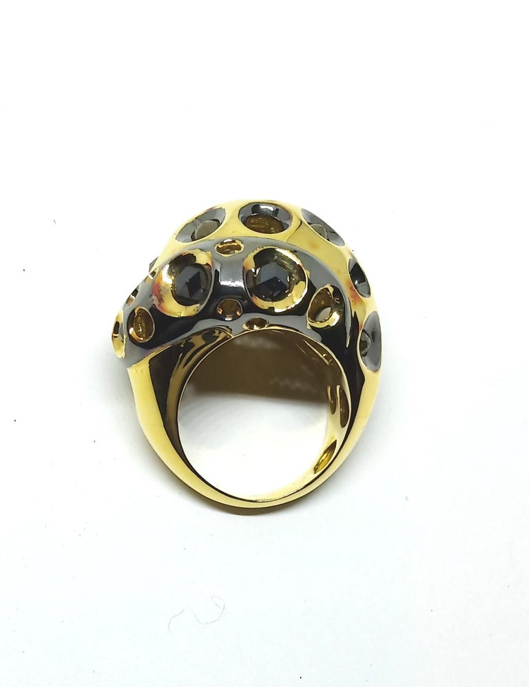 Artist Be Ahead of the Curve with One of a Kind Colored Diamond Gold Cocktail Ring For Sale