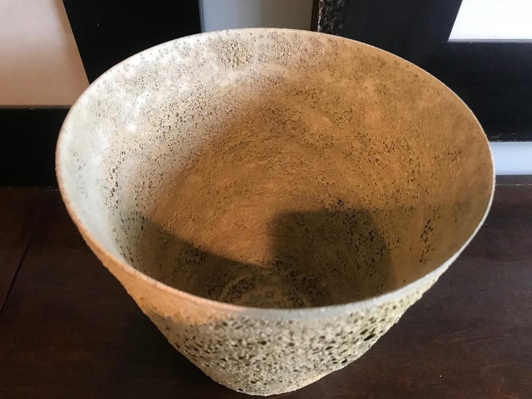 Beatrice Wood Signed Large Quite Heavy Volcanic Glaze Mid-Century Modern Bowl In Good Condition For Sale In Studio City, CA