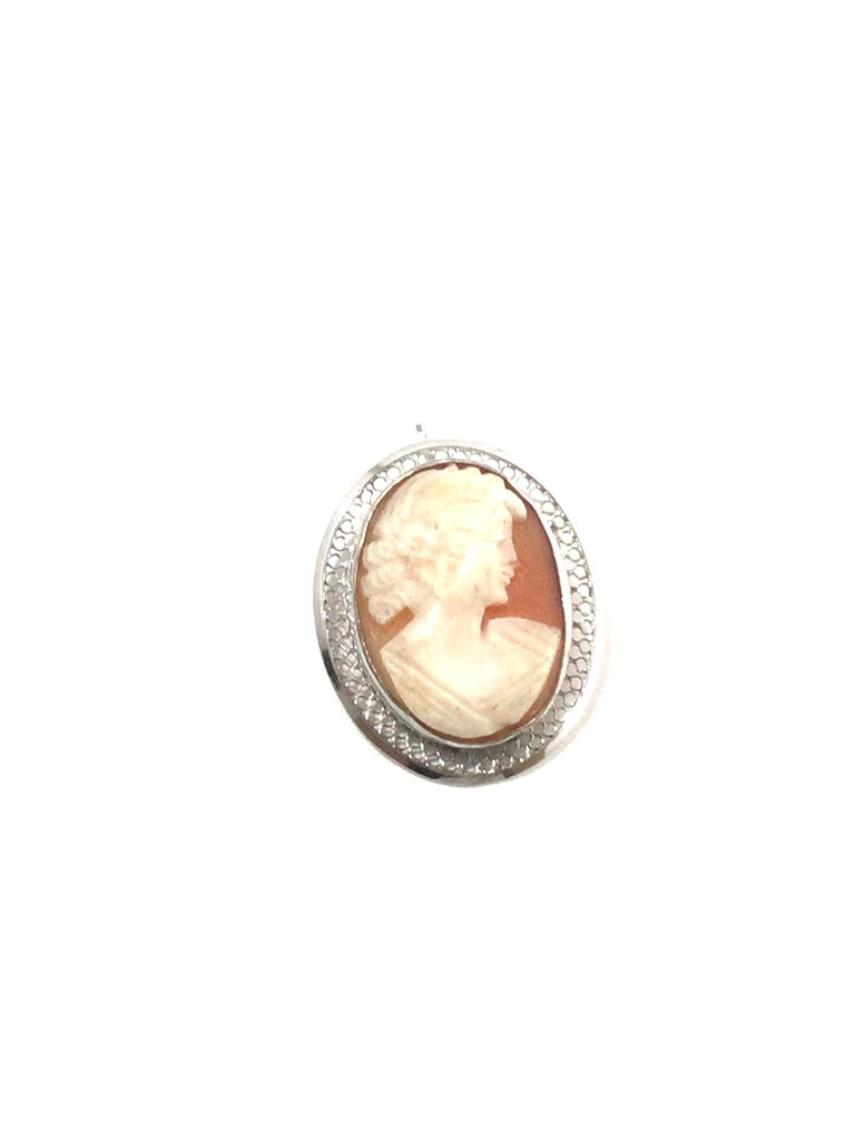 Beau Sterling Silver Cameo Brooch Pin/Pendant In Good Condition In New Milford, CT